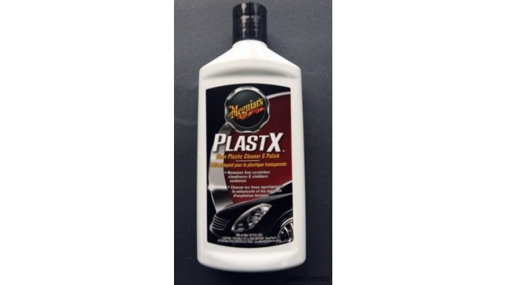 Poli nettoyant pour le plastique